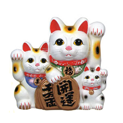 ceramic maneki neko family